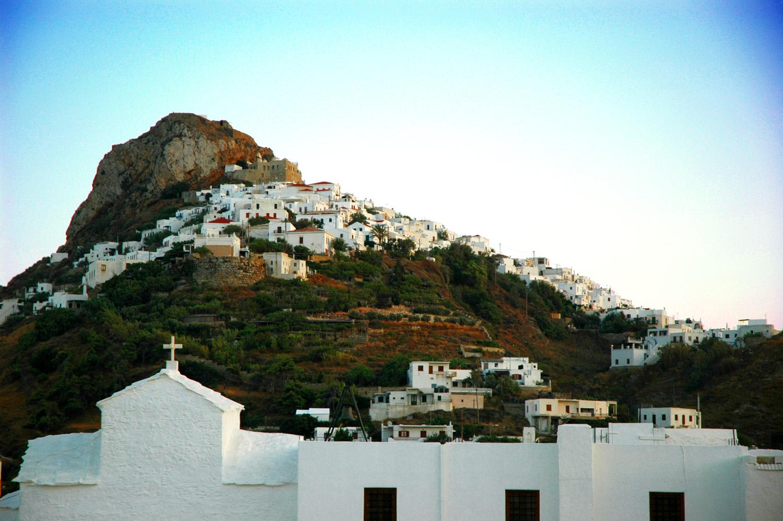 The_town_of_Skyros_island,_Greece_-_panoramio